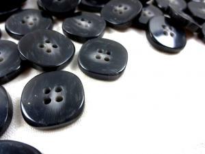 K331 Knapp 20 mm mörkgrå melerad