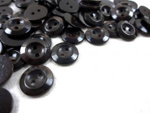 K336 Knapp 11 mm mörkbrun