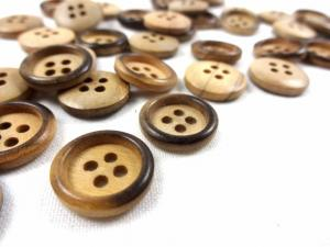 K804 Wodd Button with Rim 15 mm