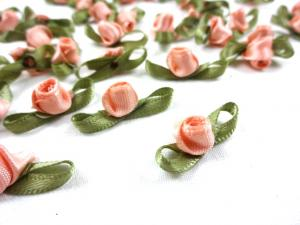 M363 Satin Rose with Leaves pink