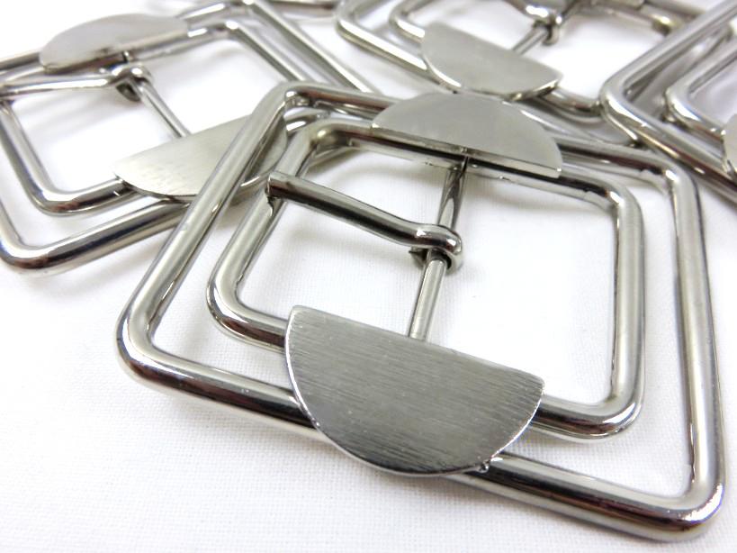 S041 Skärpspänne 30 mm silver