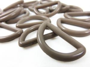 S047 Plastic D-ring 20 mm beige