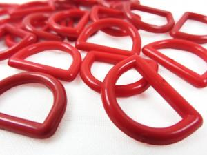 S051 Plastic D-ring 15 mm red