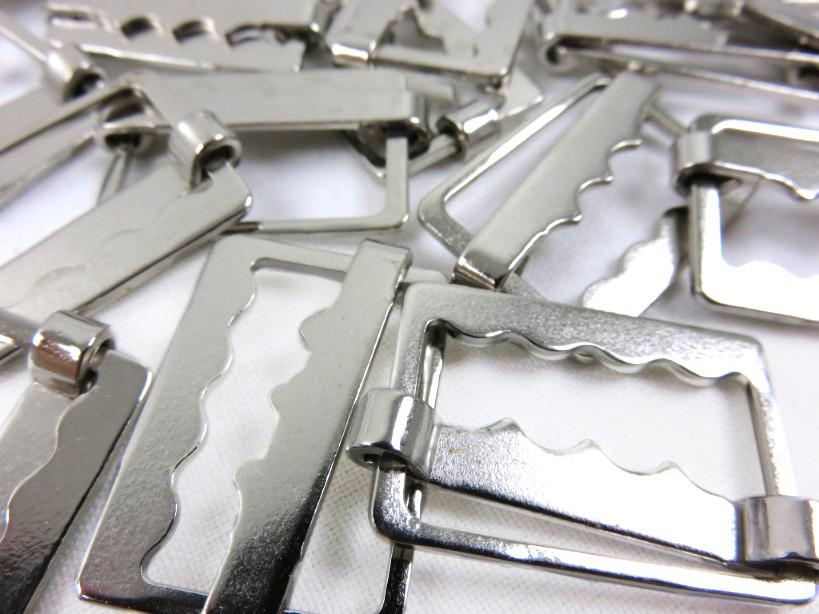 Spänne 25 mm silver