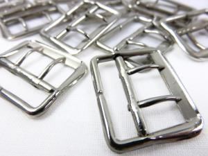 Bar buckle with two pins 22 mm silver