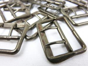 Bar buckle with two pins 22 mm oxide