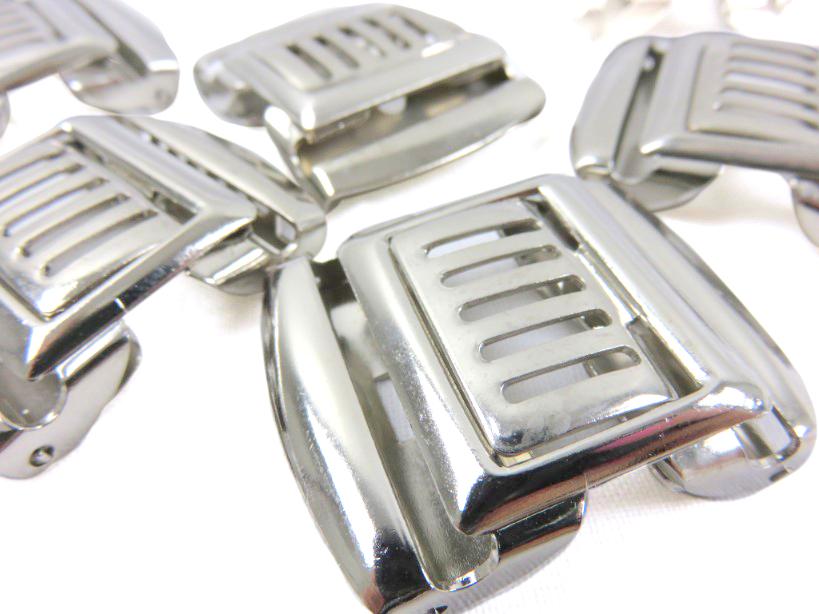S193 Tvådelat spänne 28 mm silver