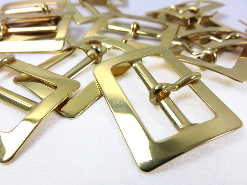 S371 Spänne med dorn 25 mm guld (2:a sort)