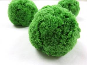 S413 Pom Pom 7 cm forest green