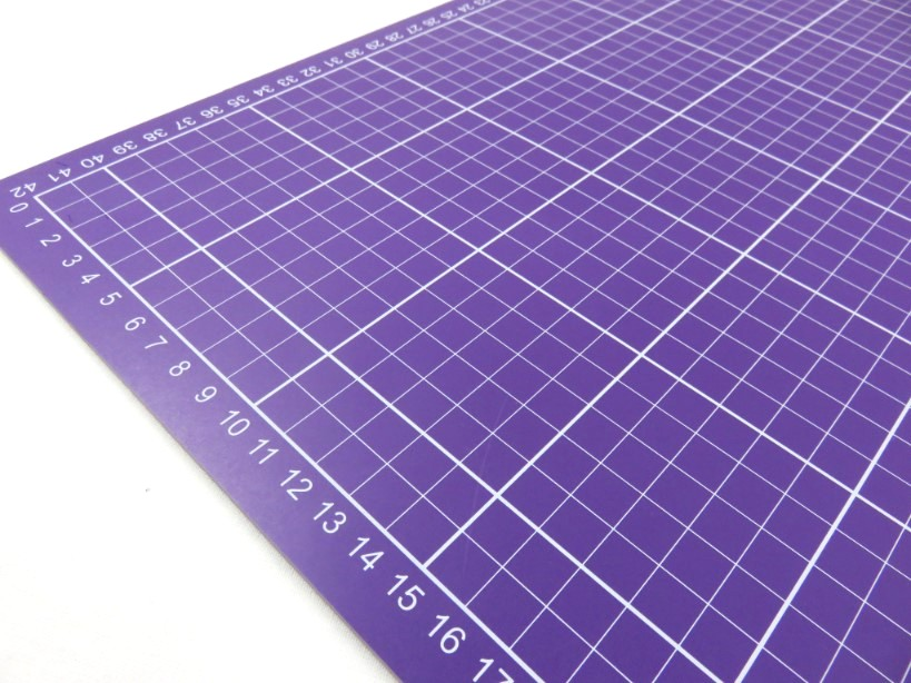 Cutting Mat 60 x 45 cm pink/purple