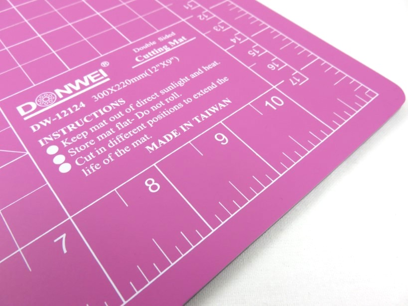 Cutting Mat 30 x 22 cm pink/purple