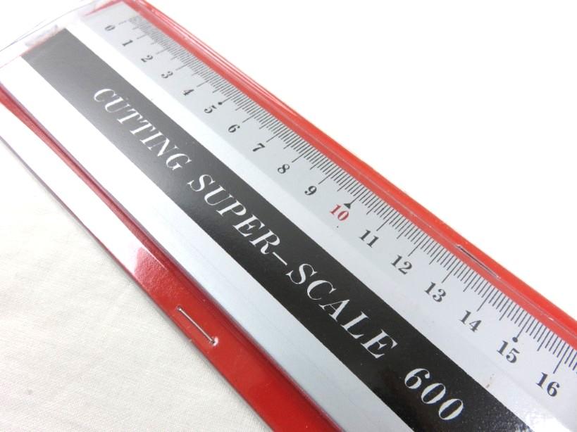 Linjal med handtag 60 cm