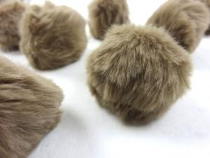 S463 Pom Pom 4 cm light brown