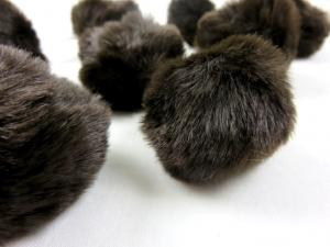 S463 Pom Pom 4 cm dark brown