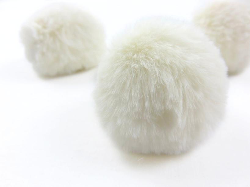 S463 Pom Pom 6 cm vanilj