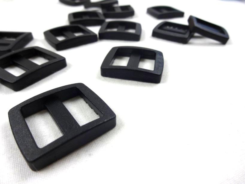 Plastic tri glide 20 mm black