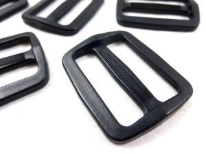 Plastic tri glide 40 mm black