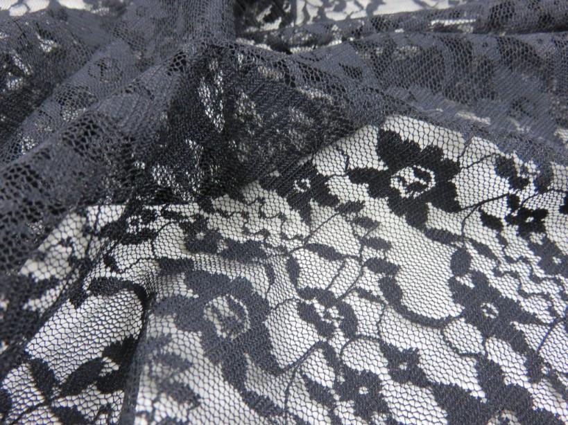 Spets småblomma svart