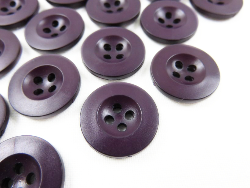 6 purple buttons of 18 mm K333