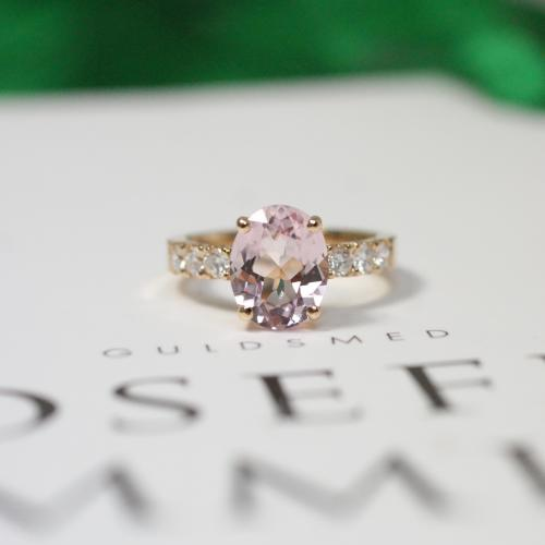 Morganite Diamond Ring (2,30 ct)