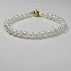 White Pearls Bracelet
