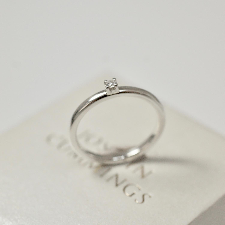 Petite Diamond (0,03 ct)