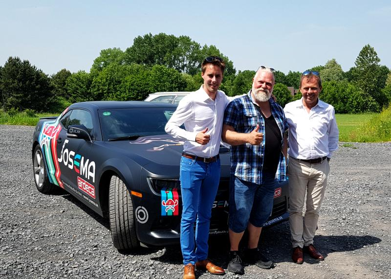 Josema tillsammans med den nya ägaren av Ardeca Lubricants Hein Vandecasteele med VD:n sonen Arne Vandecasteele