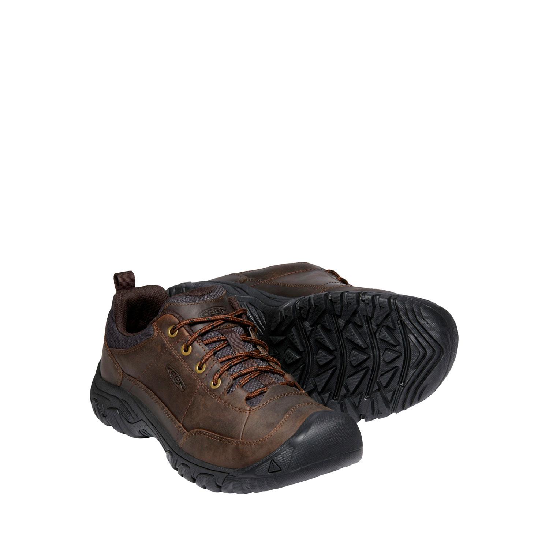 Ett par av den bruna, breda promenadskon Keen M Targhee III Oxford från sidan.