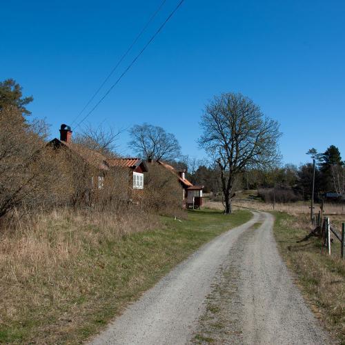 Vandringsleden Utö runt passerar bland annat lilla Kroka by på norra Utö