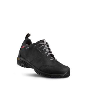 Vy snett framifrån av promenadskon Alfa Munro Gtx. Svart läder, vattentät.