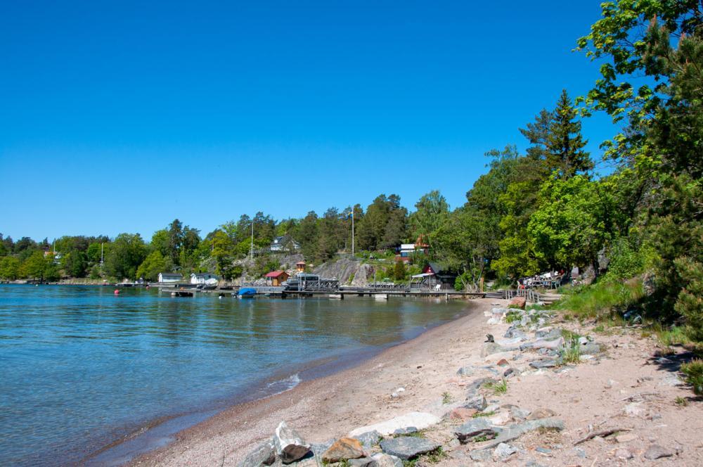 Bada vid Skutviken på Tynningö