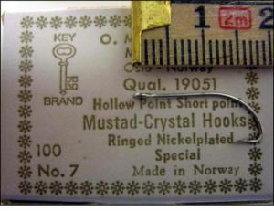 Mustad 19051 No.7 Crystal Point Short