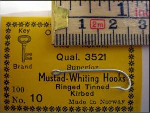 Mustad 3521 No 8 Kirby Whiting