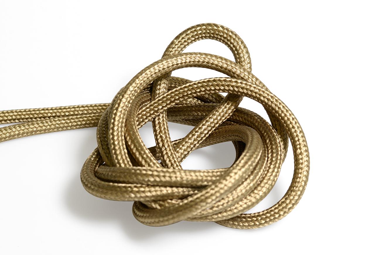 Antik brons textilkabel. Kabeln är ojordad och finns i flera olika längder.