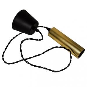 Cordone E27 i mattmässing. Med svart tvinnad kabel och en lite större sockel.