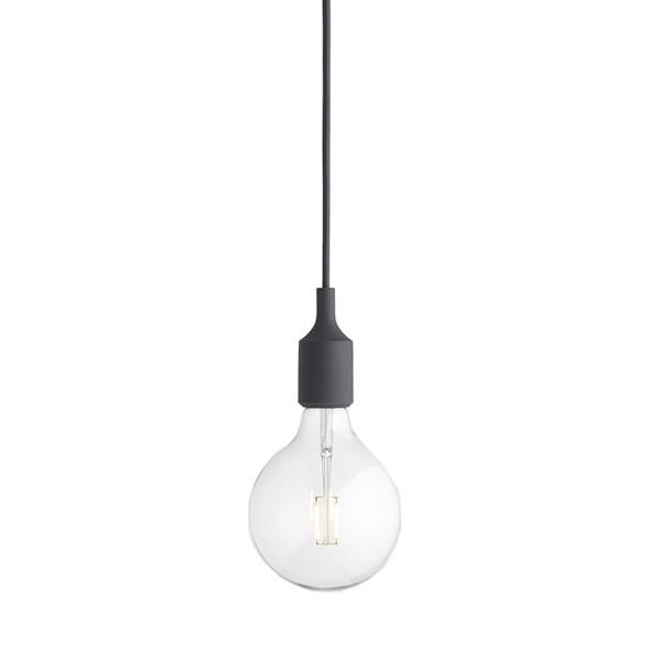 E27 pendel takupphäng mörkgrå från Muuto. Inklusive LED-lampa.