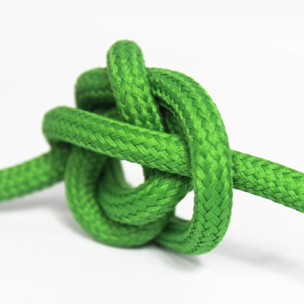 Grön textilsladd ojordad kabel. Finns i flera olika längder.