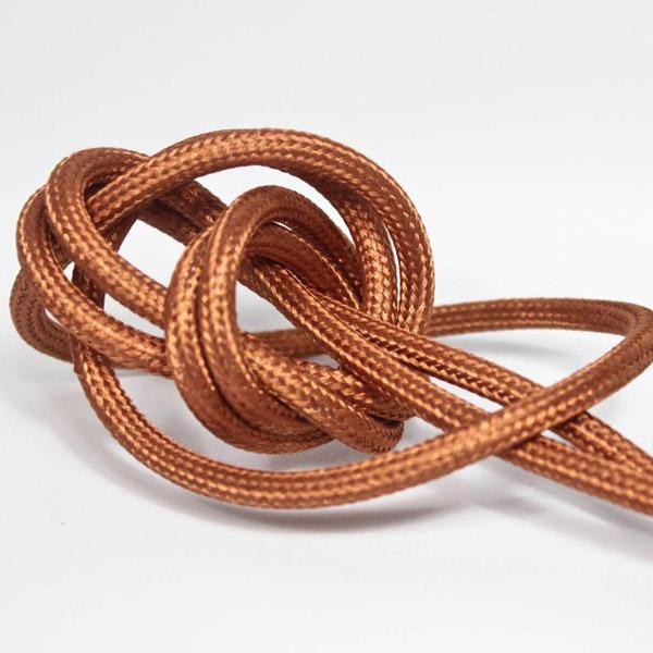 Kopparfärgad textilsladd ojordad kabel. Finns i flera olika längder.