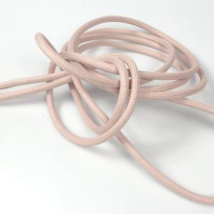 Ljus-rosa textilkabel. Kabeln är ojordad och finns i flera olika längder.