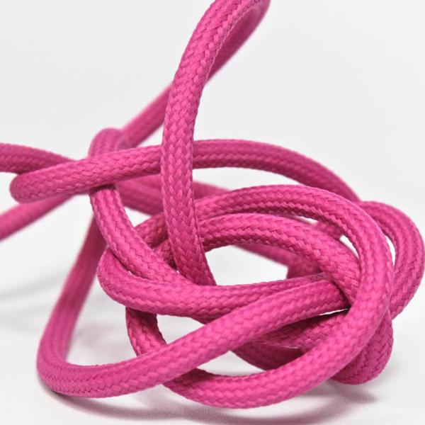 Magenta textilsladd ojordad kabel. Finns i flera olika längder.