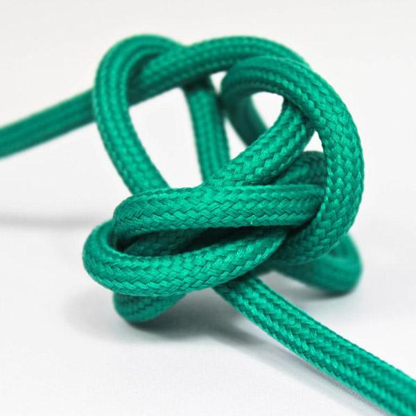 Smaragd textilkabel. Kabeln är ojordad och finns i flera olika längder.
