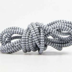 Zick-zack med vit/grå textilkabel. Kabeln är ojordad och finns i flera olika längder.