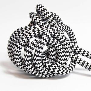 Zick-zack textilsladd ojordad kabel. Finns i flera olika längder.