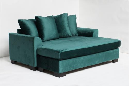 Bianca loveseat