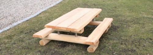Bänkbord för barn i robinia och lärk
