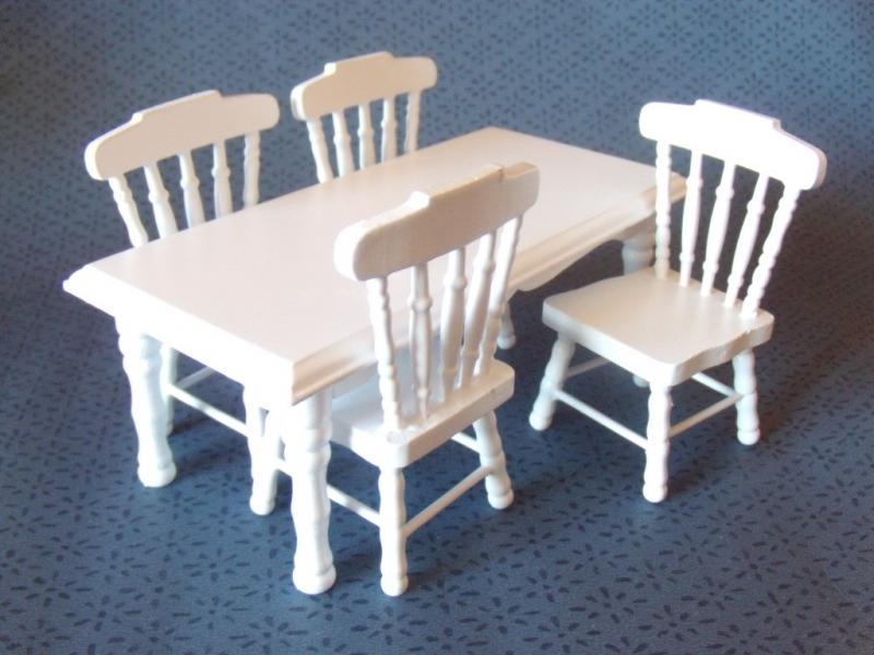 Köksbord och 4 stolar