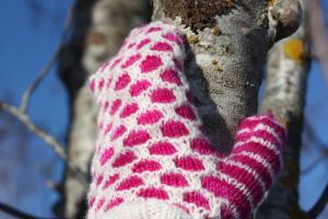 Vanten hålkrus - kit rosa/vit