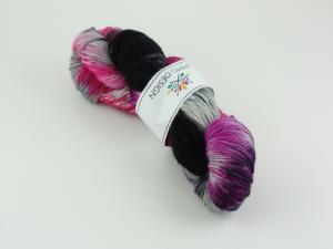Ninja girl - handfärgat sockgarn 100g
