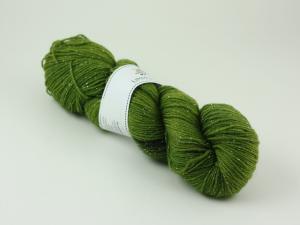 En mörkare grön  - sockgarn glitter 100g