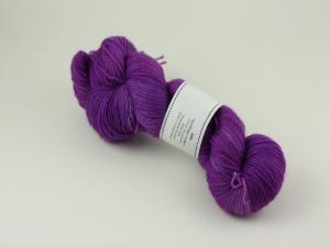 Julia - handfärgat sockgarn 100g
